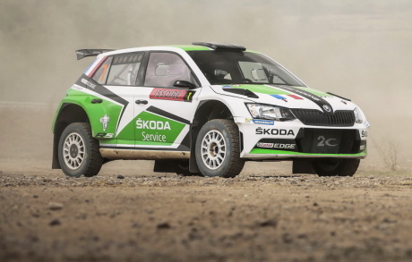 essai skoda fabia r5 l 39 au volant de la fabia de rallye l 39 argus. Black Bedroom Furniture Sets. Home Design Ideas