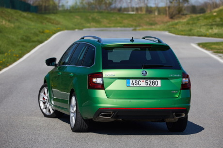 essai skoda octavia rs 2 0 tdi dsg 4x4 combi 2017 le combi gt l 39 argus. Black Bedroom Furniture Sets. Home Design Ideas