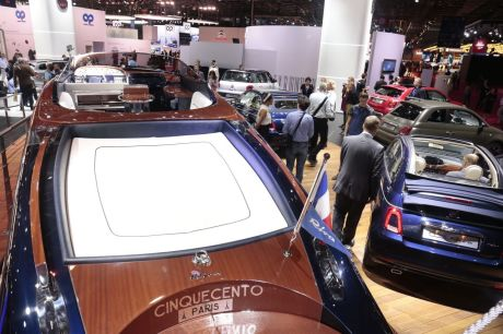 fiat 500 riva un mini yacht accoste au mondial de l 39 auto 2016 l 39 argus. Black Bedroom Furniture Sets. Home Design Ideas