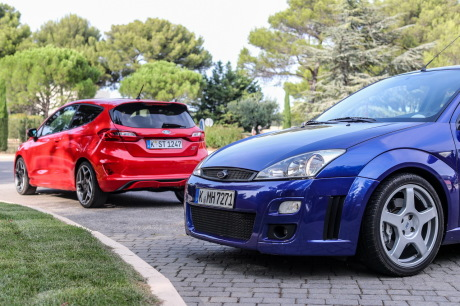 Ford Focus RS MKI vs Ford Fiesta ST