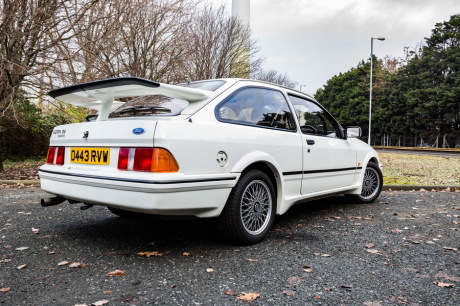 3/4 arrière Ford Sierra RS Cosworth blanche