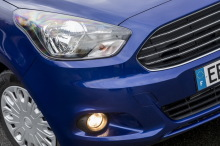 Ford Ka+ 2017 bleu Essential phare