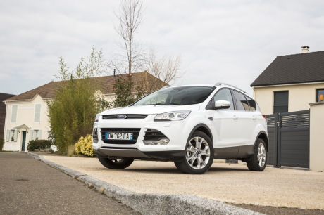 essai ford kuga 2 0 tdci 150 4x4 powershift toujours dans le coup l 39 argus. Black Bedroom Furniture Sets. Home Design Ideas