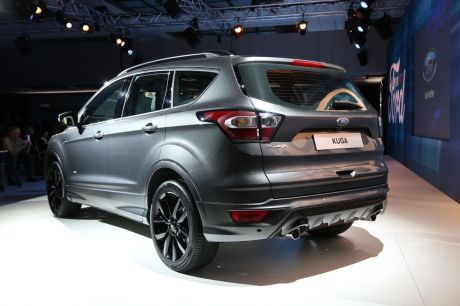 ford kuga restyl 2016 sur un air de edge l 39 argus. Black Bedroom Furniture Sets. Home Design Ideas