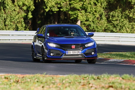 Honda Civic Type R 2018 Nürburgring action de face