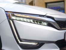 feux AR Honda Clarity Fuel Cell 2017