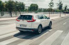 Honda CR-V Hybrid White travels back