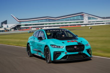 Jaguar I-Pace eTrophy blue track on course