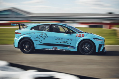 Jaguar I-Pace eTrophy blue filé, © right