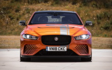essai jaguar xe sv project 8 notre avis sur la reine du n rburgring l 39 argus. Black Bedroom Furniture Sets. Home Design Ideas