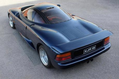 Une rare Jaguar XJR-15 est à vendre