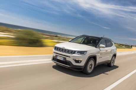 essai jeep compass 2017 le test du nouveau compass diesel l 39 argus. Black Bedroom Furniture Sets. Home Design Ideas