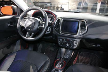 nouveau jeep compass 2017 en vedette au salon de los angeles l 39 argus. Black Bedroom Furniture Sets. Home Design Ideas