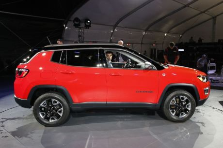 nouveau jeep compass 2017 en vedette au salon de los angeles l 39 argus. Black Bedroom Furniture Sets. Home Design Ideas