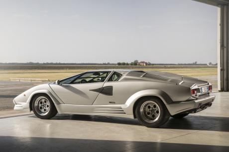 25th Anniversary of the Lamborghini Countach (1988-1990)