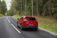 Lexus UX red moves backwards to the left