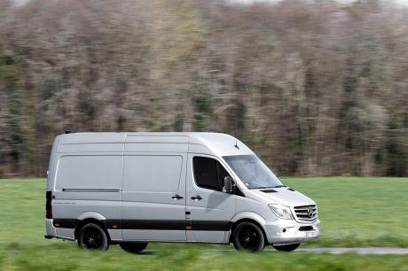 mercedes sprinter le plus fiable id es d 39 image de voiture. Black Bedroom Furniture Sets. Home Design Ideas