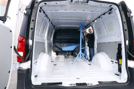 essai mercedes vito 111 cdi long le vito passe la traction avant l 39 argus. Black Bedroom Furniture Sets. Home Design Ideas