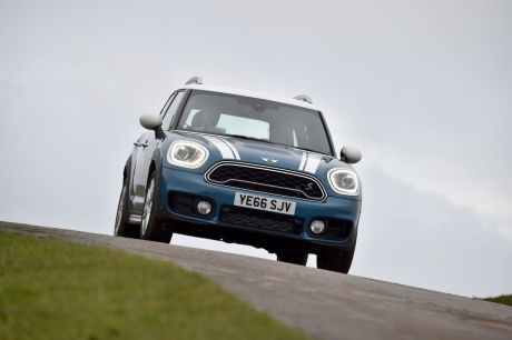 concurrence et bilan essai mini countryman cooper s all4 l 39 argus. Black Bedroom Furniture Sets. Home Design Ideas