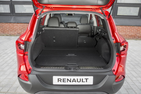 nouveau renault kadjar 2015 vs nissan qashqai premier. Black Bedroom Furniture Sets. Home Design Ideas