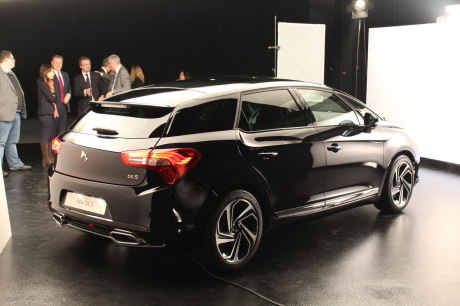 [SUJET OFFICIEL] DS 5 restylée (photos officielles p.16) - Page 10 Txt_nouvelle-citroen-ds5-restylee-2015-salon-geneve-53-_redimensionner