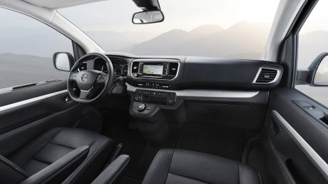 Opel Zafira Life 2019 passenger compartment