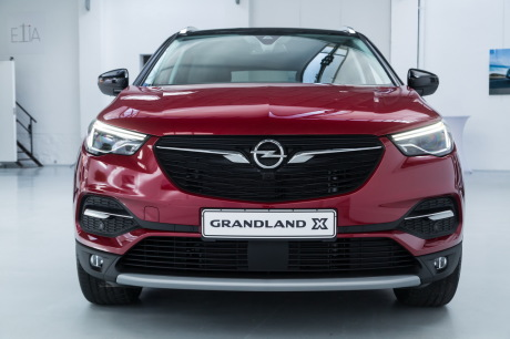opel grandland x vid o bord du nouveau suv compact d 39 opel l 39 argus. Black Bedroom Furniture Sets. Home Design Ideas