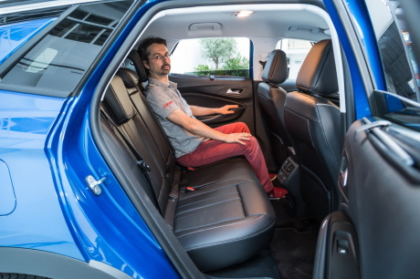 opel grandland x vs volkswagen tiguan premier duel en vid o l 39 argus. Black Bedroom Furniture Sets. Home Design Ideas