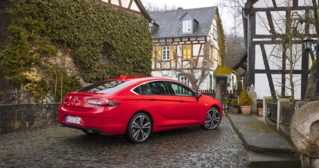 essai opel insignia grand sport notre avis sur le 1 6 diesel 136 bva l 39 argus. Black Bedroom Furniture Sets. Home Design Ideas