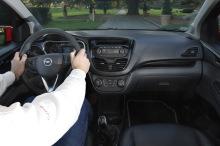 Opel Kark Cosmo Pack 2015 vue de la planche de bord en roulant