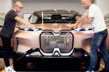BMW Vision iNext 2021 SUV électrique face avant