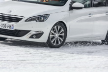 Peugeot 308 equipped with winter tires
