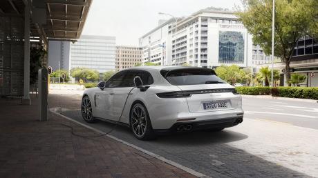 La Porsche Panamera part en chasse