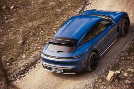 Porsche taycan cross turismo off road
