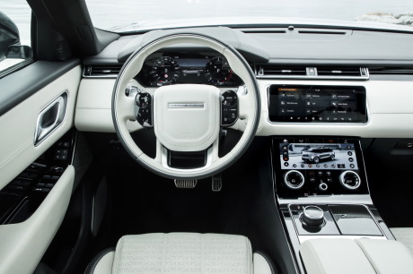 a bord du range rover velar l 39 argus. Black Bedroom Furniture Sets. Home Design Ideas