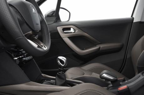 Peugeot 2008 63 700 mod les rappel s depuis d cembre for Interieur peugeot 2008