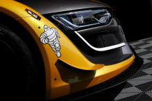 Renault RS01 2016 gros plan sur le phare