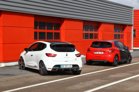 essai comparatif renault clio rs trophy vs 208 gti by peugeot sport l 39 argus. Black Bedroom Furniture Sets. Home Design Ideas