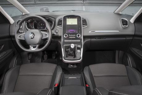 Renault Scénic 2016 vs Volkswagen Golf Sportsvan : leur ...