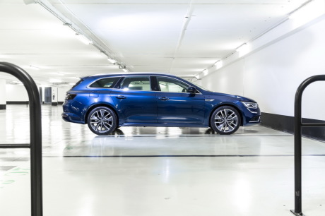 renault talisman estate premier match avec les 508 sw et passat sw l 39 argus. Black Bedroom Furniture Sets. Home Design Ideas