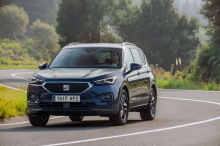 Seat Tarraco blue action front left