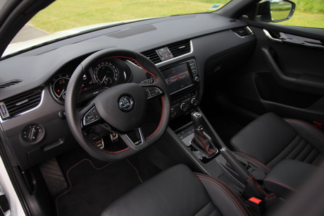 essai skoda octavia rs 230 combi la gti de la famille l 39 argus. Black Bedroom Furniture Sets. Home Design Ideas