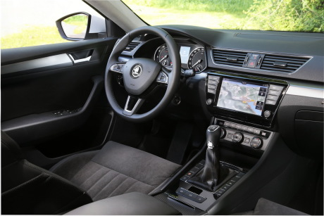 essai skoda superb combi 2015 l 39 argus. Black Bedroom Furniture Sets. Home Design Ideas