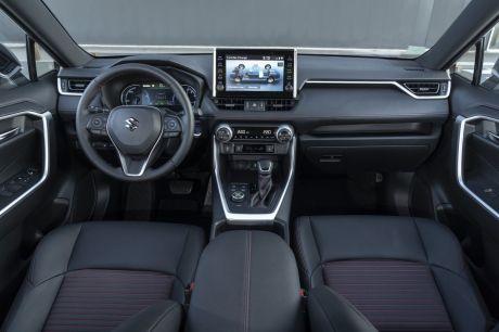 Interieur Suzuki Across 2021