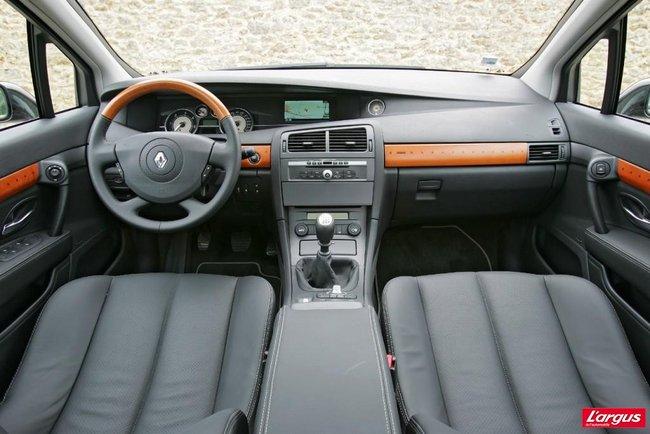 Renault Vel Satis I B73 Au Volant