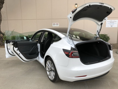 essai tesla model 3 premier contact au volant de la petite tesla l 39 argus. Black Bedroom Furniture Sets. Home Design Ideas