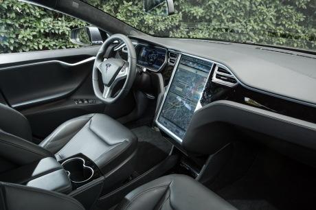Tesla : la model 3 dévoilée - Page 23 Txt_tesla-model-s-70d-09