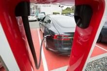 tesla model s au supercharger