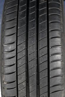 test pneus toutes saisons la bonne alternative aux pneus. Black Bedroom Furniture Sets. Home Design Ideas