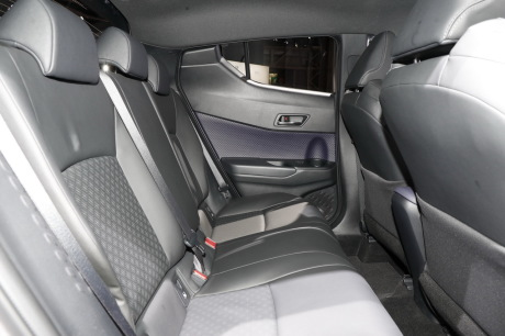 Toyota c hr dernier salon avant commercialisation l for Interieur toyota chr
